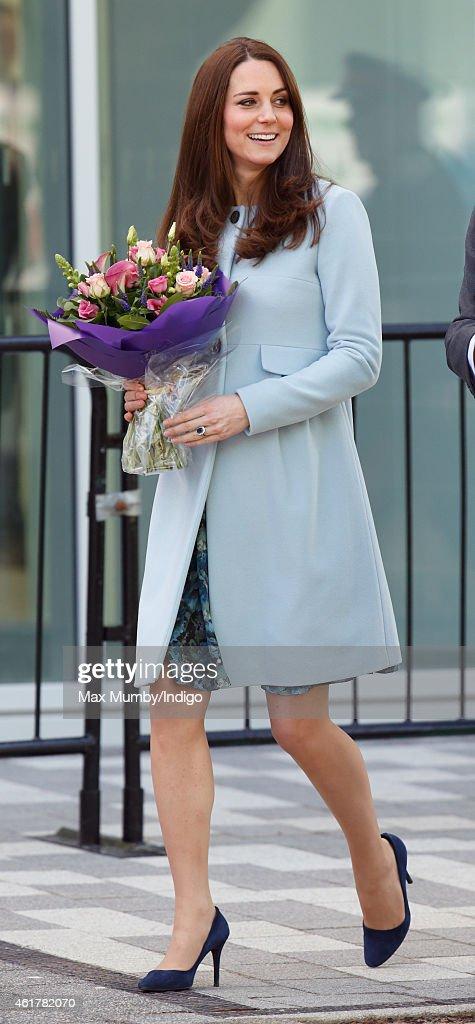 The Duchess Of Cambridge Formally Opens The Kensington Leisure Centre : ニュース写真