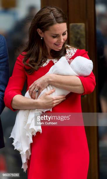 Catherine Duchess of Cambridge leaves with her new baby from the Lindo Wing St Mary's Hospital on April 23 2018 in London England