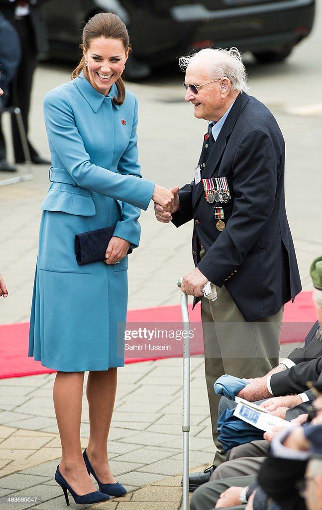 The Duke And Duchess Of Cambridge Tour Australia And New Zealand - Day 3 : News Photo