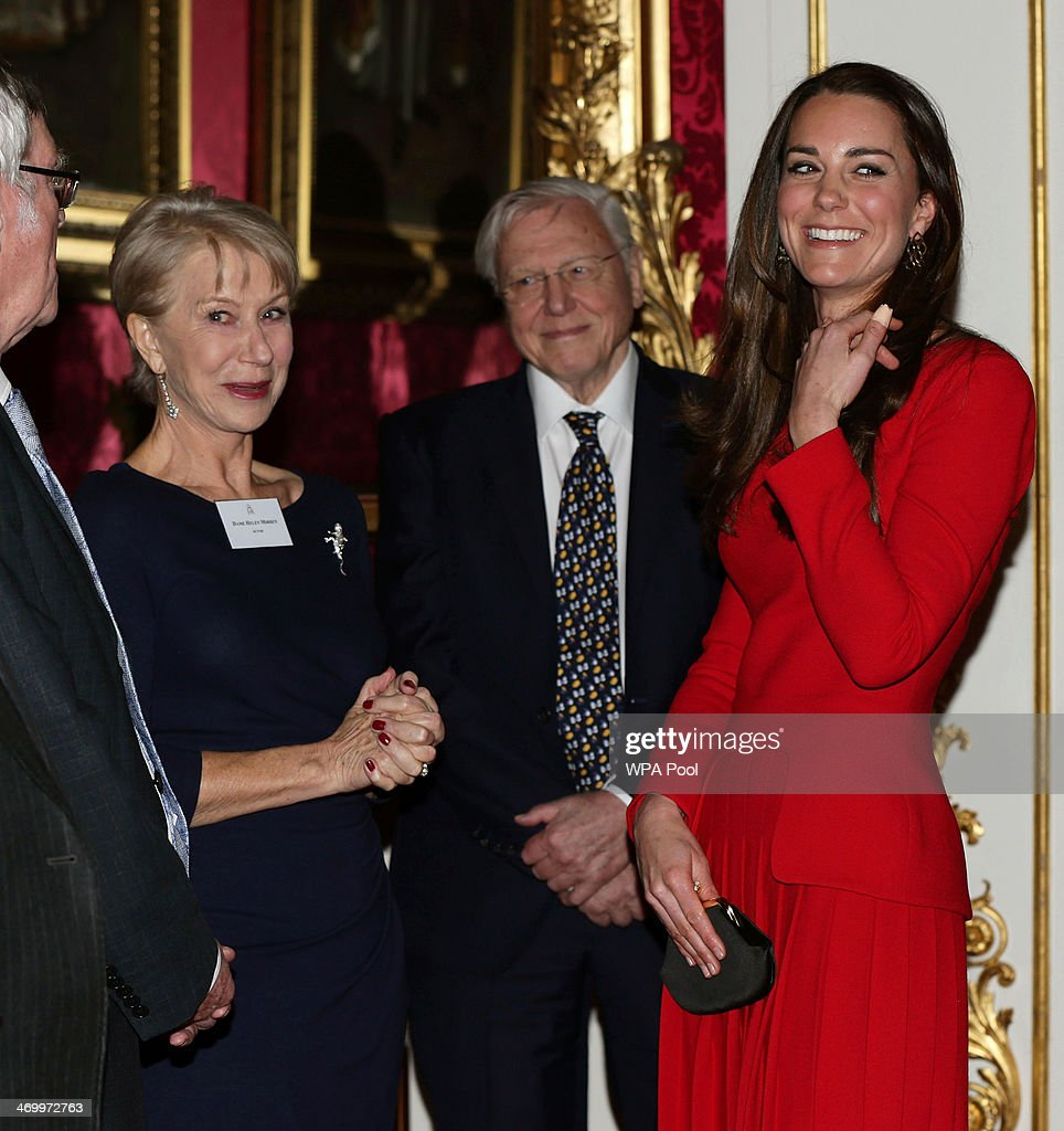 Queen Elizabeth II Hosts Dramatic Arts Reception At Buckingham Palace : News Photo