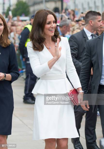 Catherine, Duchess of Cambridge meets wellwishers during a visit with Prince William, Duke of Cambridge to the Presidential Palace during an official...
