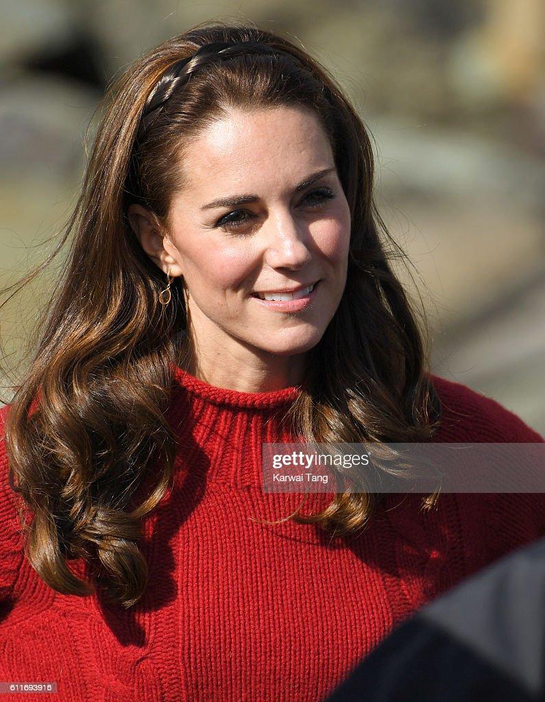 2016 Royal Tour To Canada Of The Duke And Duchess Of Cambridge - Haida Gwaii, British Columbia : News Photo