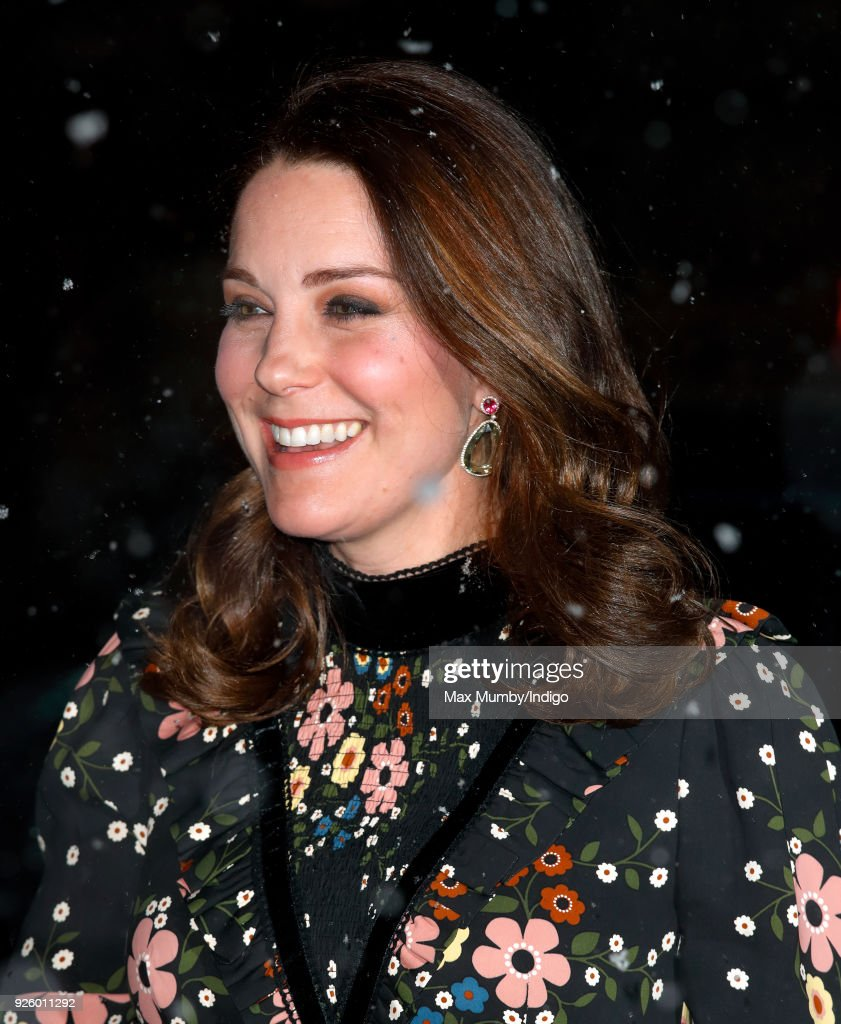 The Duchess Of Cambridge Visits 'Victorian Giants' Exhibition : ニュース写真