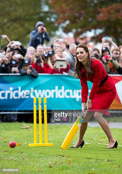 Catherine Duchess of Cambridge plays cricket in Latimer Square Gardens on April 14 2014 in Christchurch New Zealand The Duke and Duchess of Cambridge...