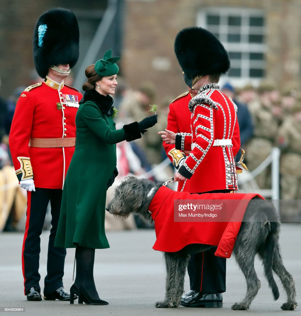 The Duke And Duchess Of Cambridge Attend The Irish Guards St Patrick's Day Parade : ニュース写真