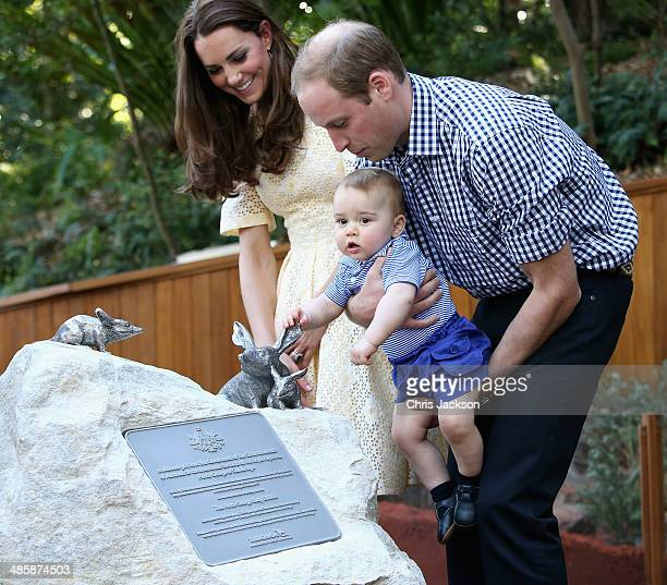Catherine Duchess of Cambridge Prince George of Cambridge and Prince William Duke of Cambridge unveil a plaque for the new Bilby Enclosure at Taronga...