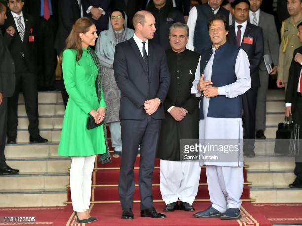 Catherine, Duchess of Cambridge, Prince William, Duke of Cambridge and Prime Minister of Pakistan Pakistan Imran Khan pose after a official meeting...