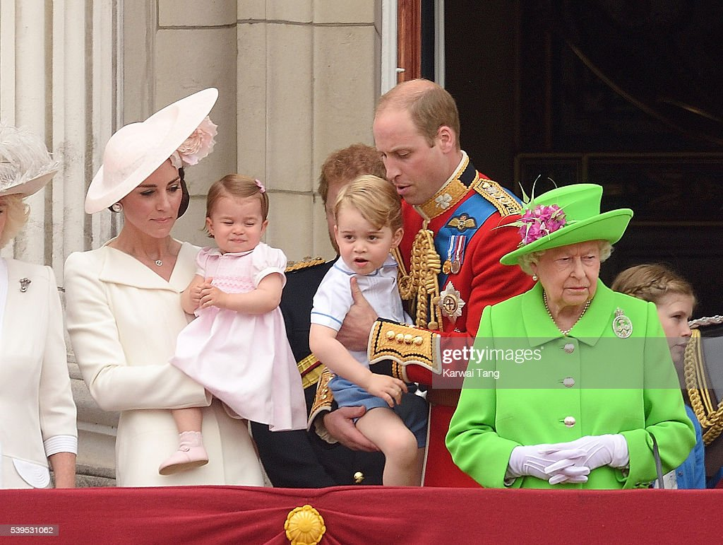 Trooping The Colour 2016 : Fotografía de noticias