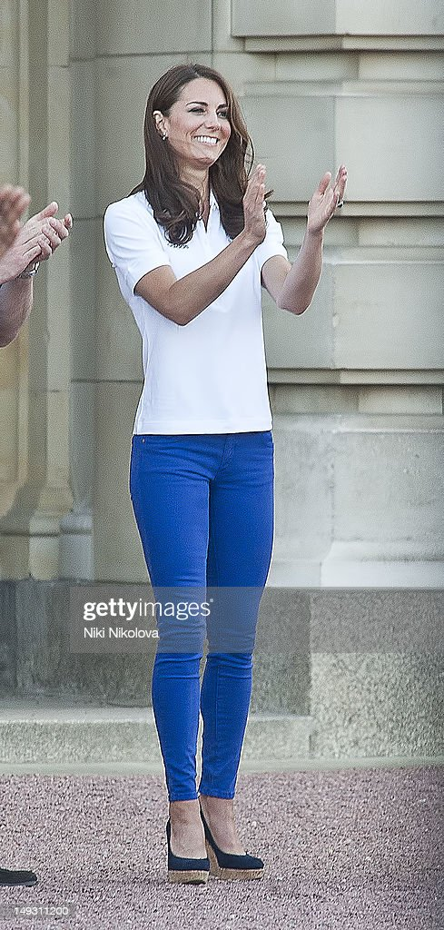Celebrity Sightings In London - July 26th, 2012 : News Photo
