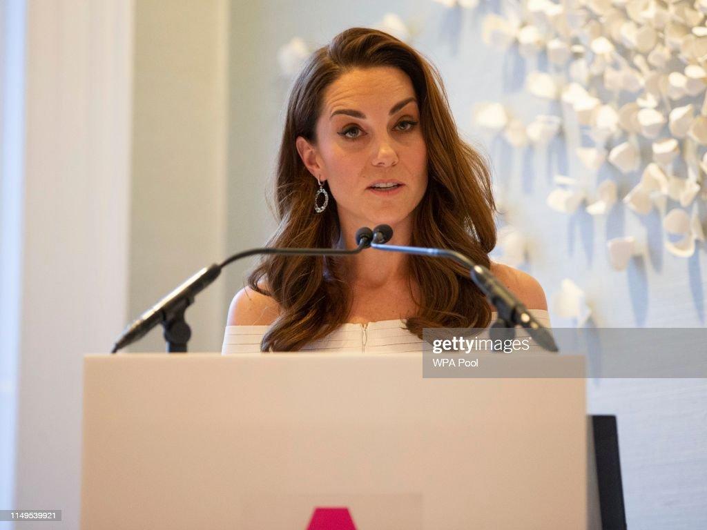 The Duchess of Cambridge Attends Addiction Awareness Week Gala Dinner : News Photo