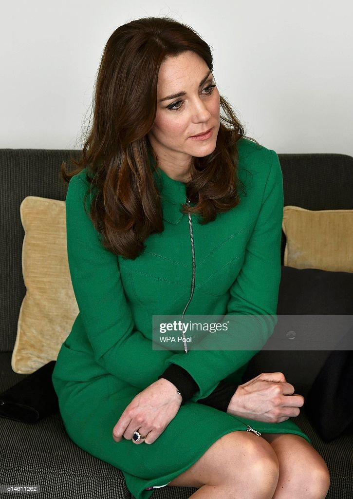 The Duke And Duchess Of Cambridge Visit Organisations Working To Prevent Suicide : Foto jornalística