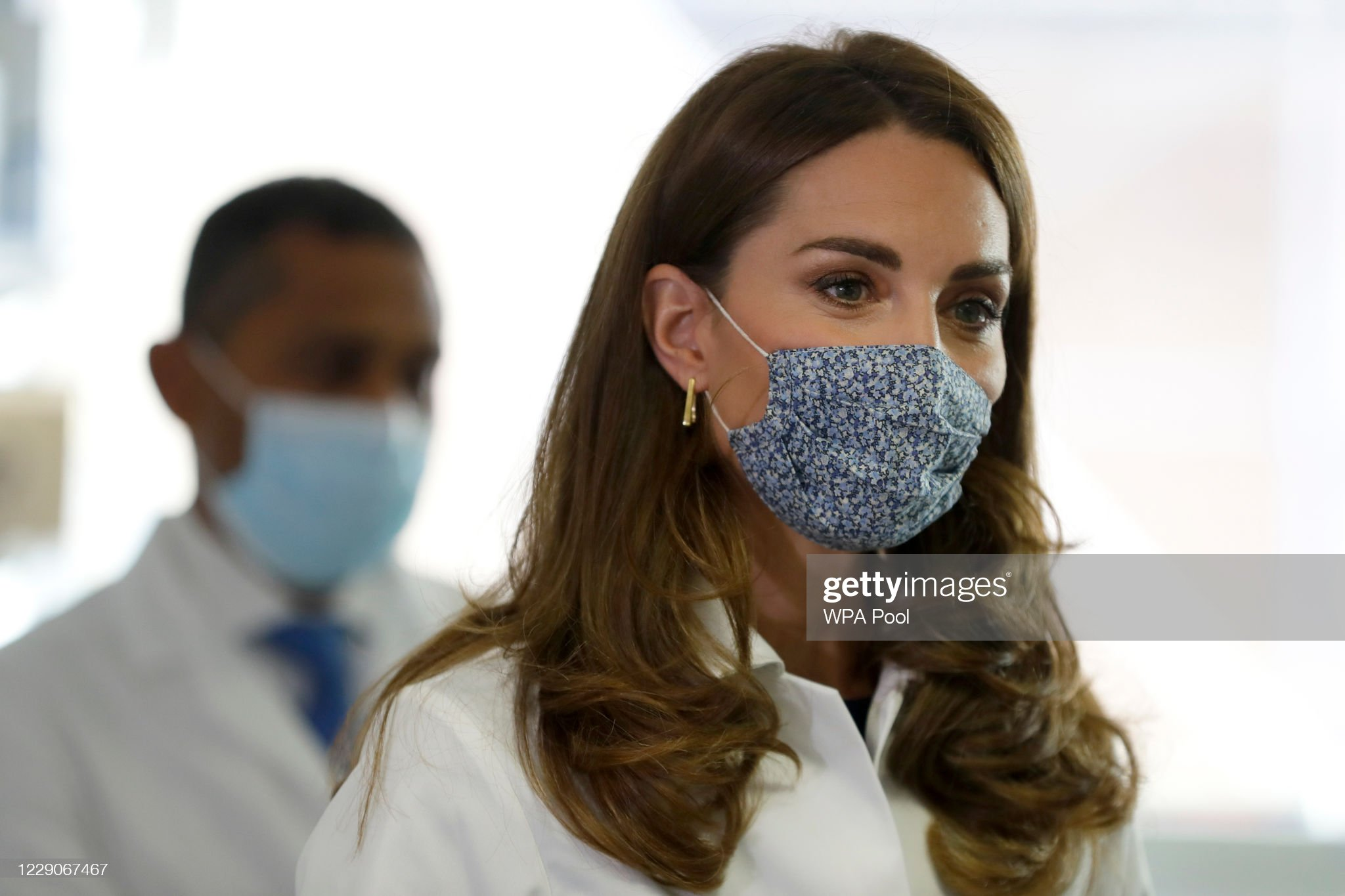 catherine-duchess-of-cambridge-tours-a-laboratory-during-a-visit-to-picture-id1229067467