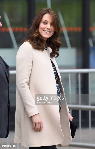 Catherine Duchess of Cambridge visits SportsAid to undertake engagements celebrating the Commonwealth at the Copperbox Arena on March 22 2018 in...