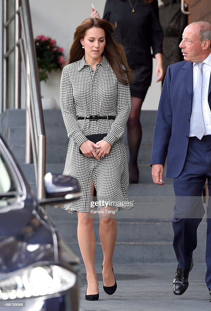 The Duchess Of Cambridge Visits The Anna Freud Centre : Nachrichtenfoto