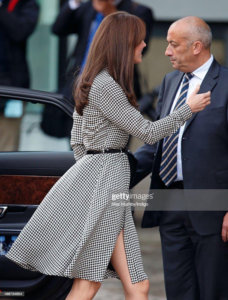 The Duchess Of Cambridge Visits The Anna Freud Centre : Nieuwsfoto's