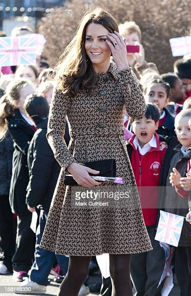 Catherine Duchess Of Cambridge Visits The Art Room'S Classroom At Rose Hill Primary School Oxford Where Her Royal Highness Met Teachers And Children...