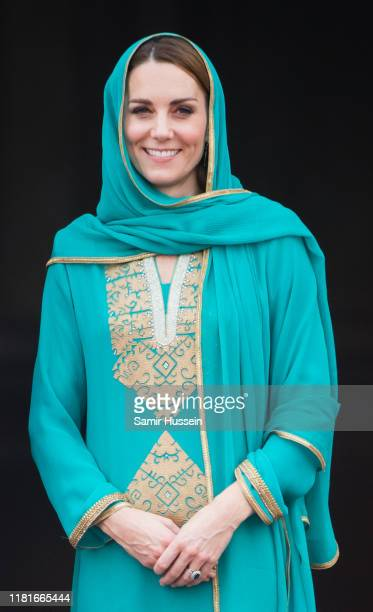 Catherine Duchess of Cambridge visits the Badshahi Mosque on October 17 2019 in Lahore Pakistan Their Royal Highnesses The Duke and Duchess of...