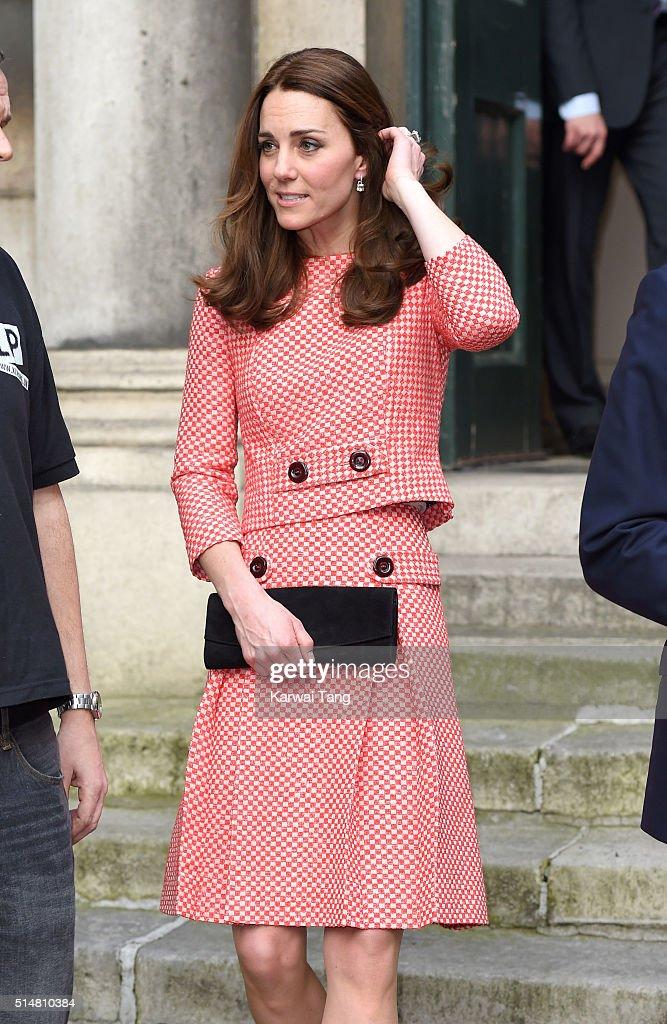 The Duke And Duchess Of Cambridge Visit XLP : Nieuwsfoto's