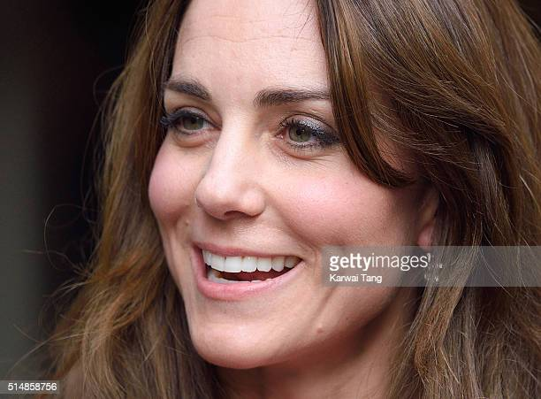 Catherine Duchess of Cambridge visits the mentoring programme of the XLP project at London Wall on March 11 2016 in London England XLP supports young...