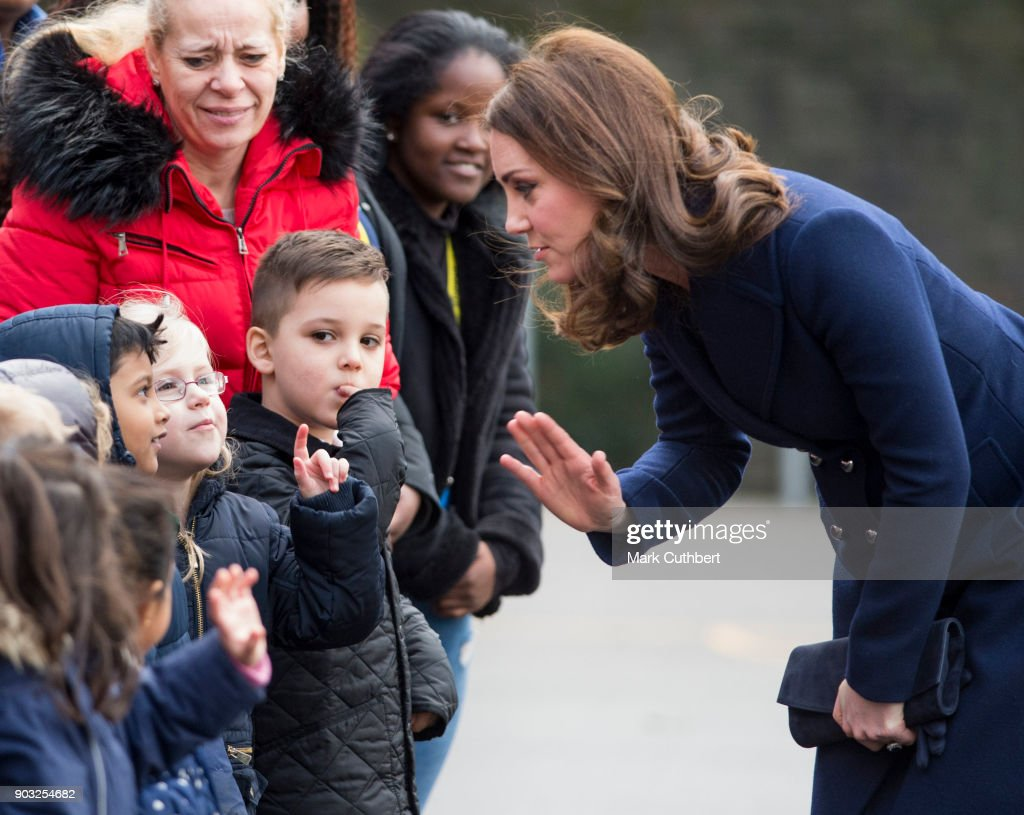 The Duchess Of Cambridge Visits Reach Academy Feltham With Place2Be : Fotografia de notícias