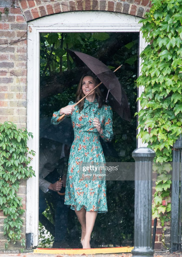 Catherine, Duchess of Cambridge visits The Sunken Garden at Kensington Palace on August 30, 2017 in London, England. The garden has been transformed into a White Garden dedicated in the memory of Princess Diana, mother of The Duke of Cambridge and Prince Harry.