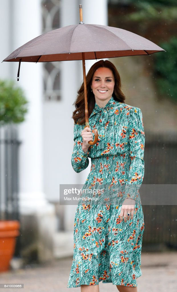 Catherine, Duchess of Cambridge visits the Sunken Garden in the grounds of Kensington Palace on August 30, 2017 in London, England. The Sunken Garden has been transformed into a White Garden dedicated to Diana, Princess of Wales mother of The Duke of Cambridge and Prince Harry marking the 20th anniversary of her death.