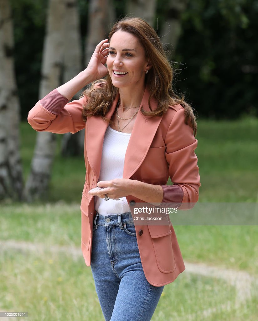 The Duchess Of Cambridge Visits The Natural History Museum : ニュース写真