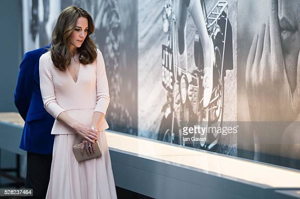 "Catherine, Duchess of Cambridge visits the ""Vogue 100: A Century Of Style"" exhibition at National Portrait Gallery on May 4, 2016 in London, England...."