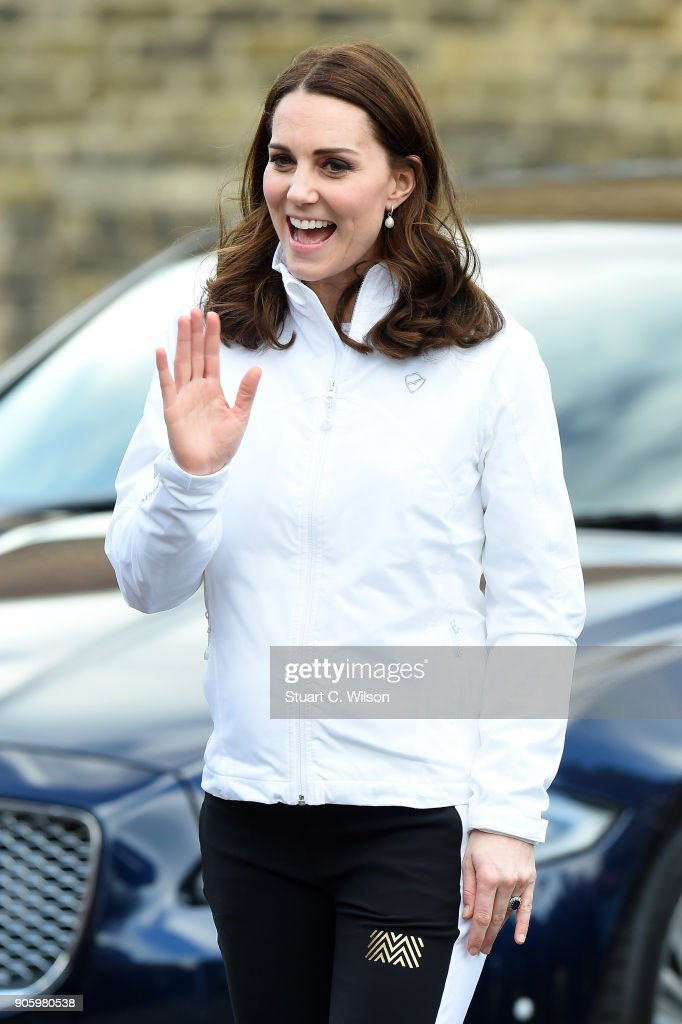 The Duchess of Cambridge Visits The Wimbledon Junior Tennis Initiative : Fotografía de noticias