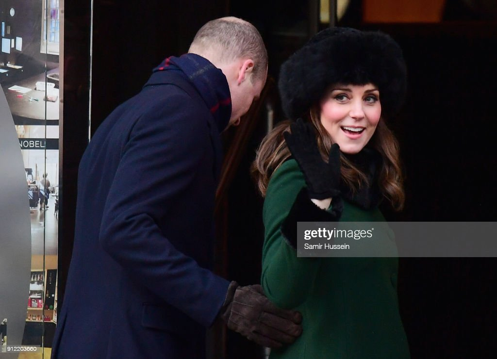 https://media.gettyimages.com/photos/catherine-duchess-of-cambridge-waves-after-she-walked-through-the-picture-id912203660