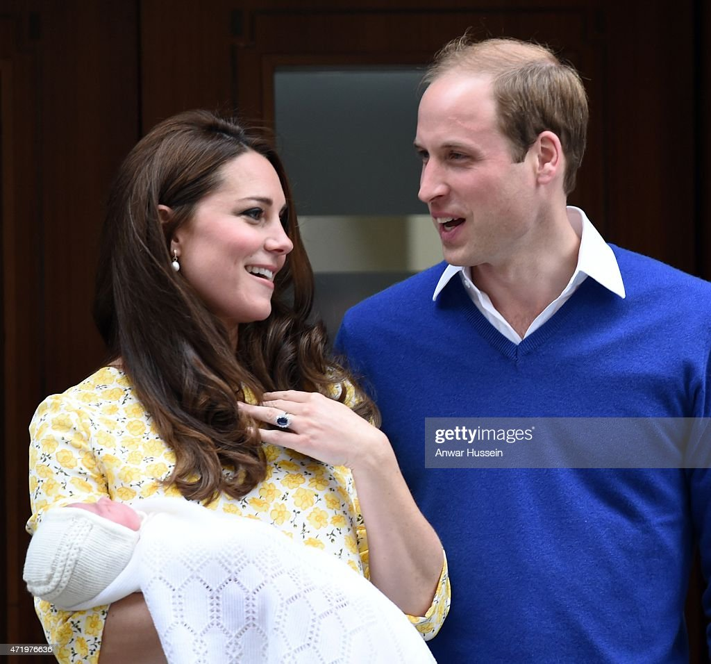 The Duke And Duchess Of Cambridge Depart The Lindo Wing With Their Daughter : Nachrichtenfoto