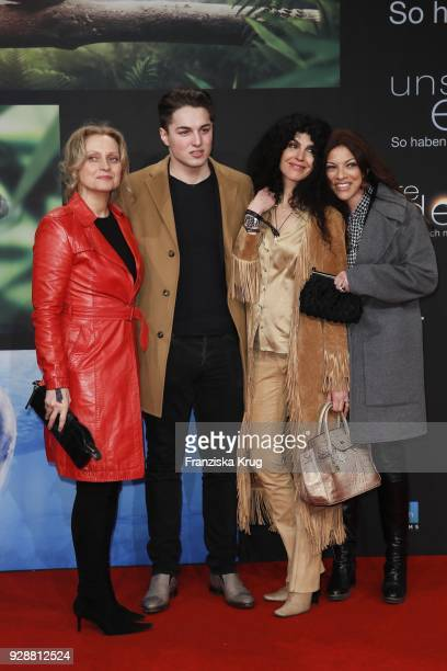 Catherine Flemming David Zechbauer Janine White and Alice Brauner during the 'Unsere Erde 2' premiere at Zoo Palast on March 7 2018 in Berlin Germany
