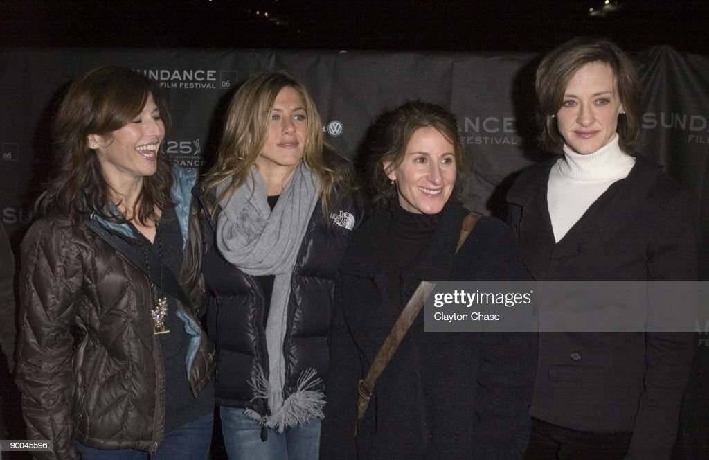 "2006 Sundance Film Festival - ""Friends with Money"" - Opening Night Premiere - Arrivals : News Photo"