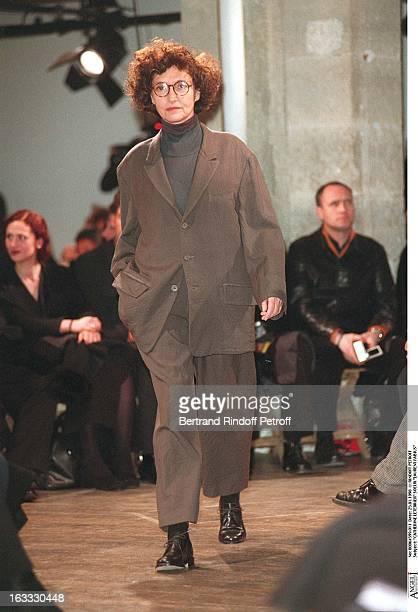 Catherine Leterrier ans sister Laurent Fabius at theYohji Yamamoto Menswear Catwalk Autumn Winter 98/99 Collection.