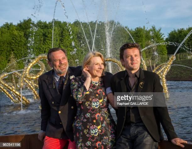 Catherine Pégard présidente de l'Etablissement public du Château de Versailles Louis Bennech paysagiste dans le parc de Versailles et JeanMichel...