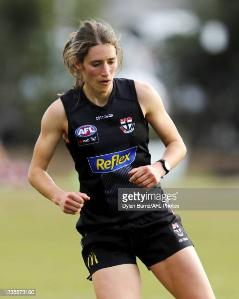 Catherine Phillips of the Saints in action during the St Kilda training session at RSEA Park on October 14, 2021 in Melbourne, Australia.