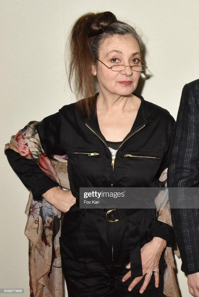Agnes B : Front Row - Paris Fashion Week Womenswear Fall/Winter 2017/2018