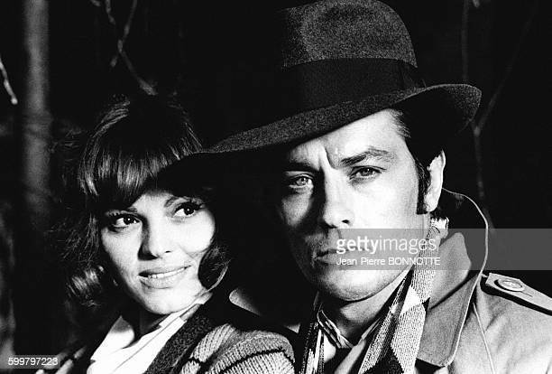 Catherine Rouvel et Alain Delon sur le tournage du film 'Borsalino Co' réalisé par Jacques Deray en 1974 à Marseille France