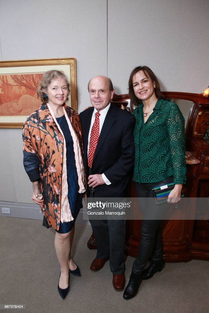 Catherine Sweeney Singer, Jay Cantor and Friederike Moltmann during the Macklowe Gallery Hosts 2018 Winter Antiques Show Kickoff Event at 445 Park Avenue on December 6, 2017 in New York City.