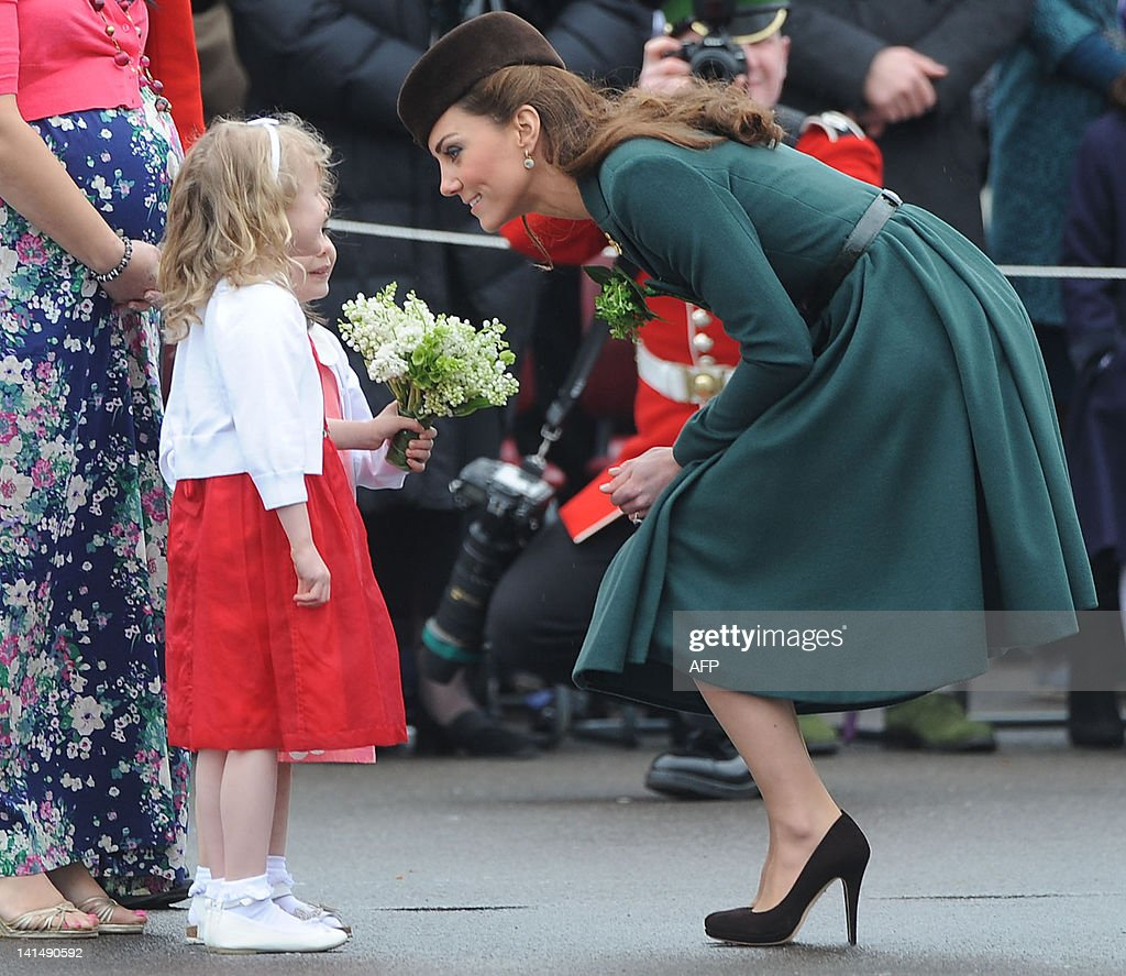 Catherine, the Duchess of Cambridge (R) : News Photo
