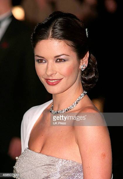 KINGDOM DECEMBER 10 Catherine Zeta Jones attends The Royal Charity Premiere of The Mask of Zorro in London's Leicester Square on December 10 1998 in...