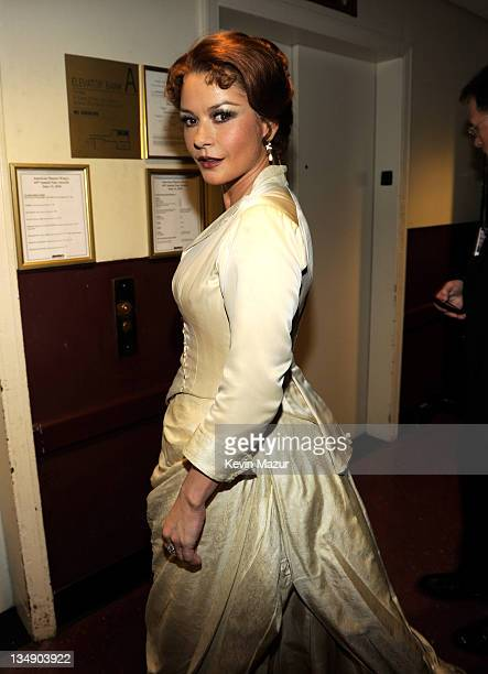 EXCLUSIVE COVERAGE PREMIUM RATES APPLY NO NORTH AMERICAN USAGE FOR 90 DAYS Catherine ZetaJones backstage at the 64th Annual Tony Awards at Radio City...