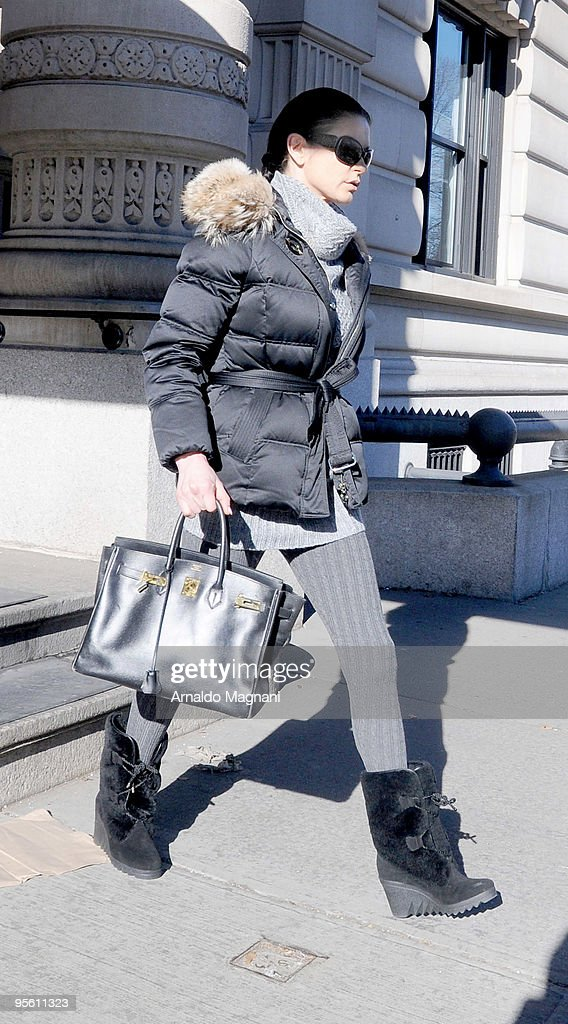 Celebrity Sightings In New York - January 6, 2010 : News Photo
