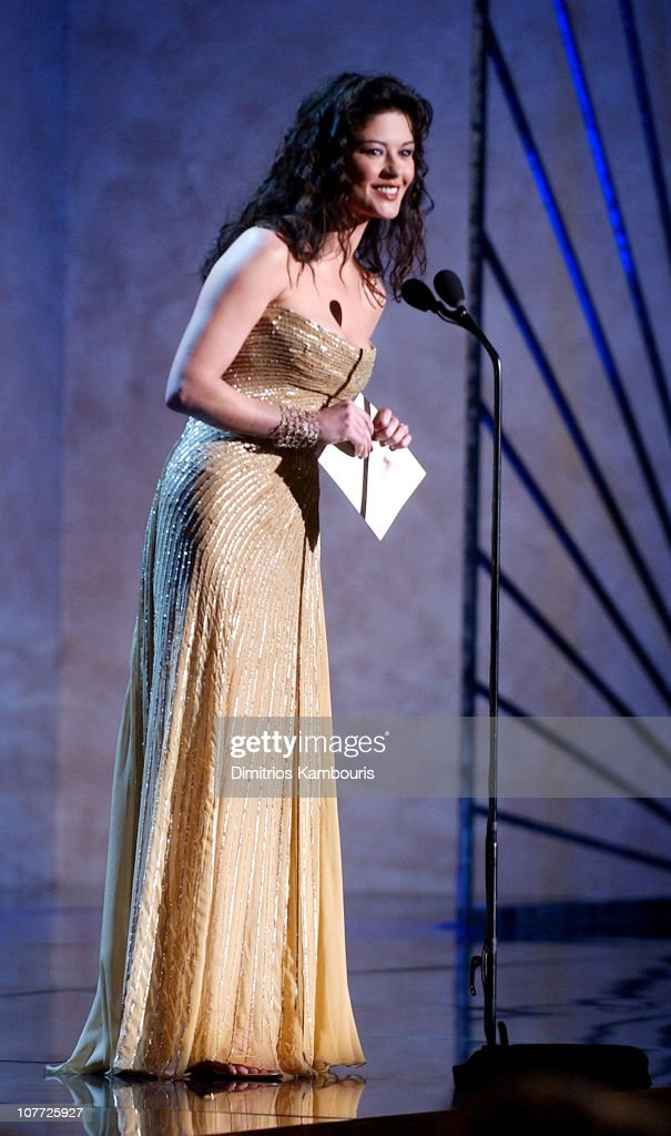 Catherine Zeta-Jones presents award for Outstanding Cast of a Motion Picture for 'Lord of the Rings: The Return of the King'