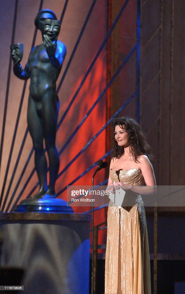 Catherine Zeta-Jones presents the Outstanding Cast in a Motion Picture Award