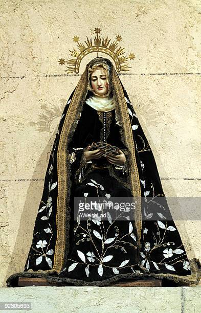 catholic effigy pre 19 th century - blessed mother mary stock pictures, royalty-free photos & images