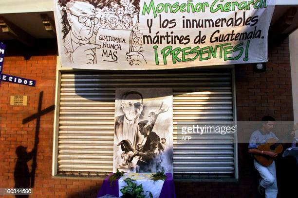 Catholic faithfuls commemorate the murder of Guatemala's Bishop Juan Gerardi 30 March 2001 in Guatemala City Fieles catolicos participan en una...