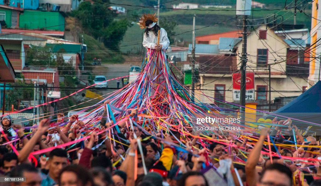 TOPSHOT-COSTA-RICA-RELIGION-HOLY-WEEK-HOLY WEEK : News Photo