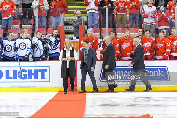 Cathy Howe, Murray Howe, Marty Howe, and Mark Howe, the children of the late Hall of Fame and former Detroit Red Wing great Gordie Howe and his wife...