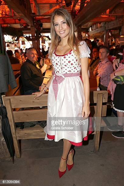 Cathy Hummels during the 'FC Bayern Wies'n' at Oktoberfest at Kaeferschaenke / Theresienwiese on October 2 2016 in Munich Germany